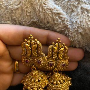 Beautiful antique gold earrings